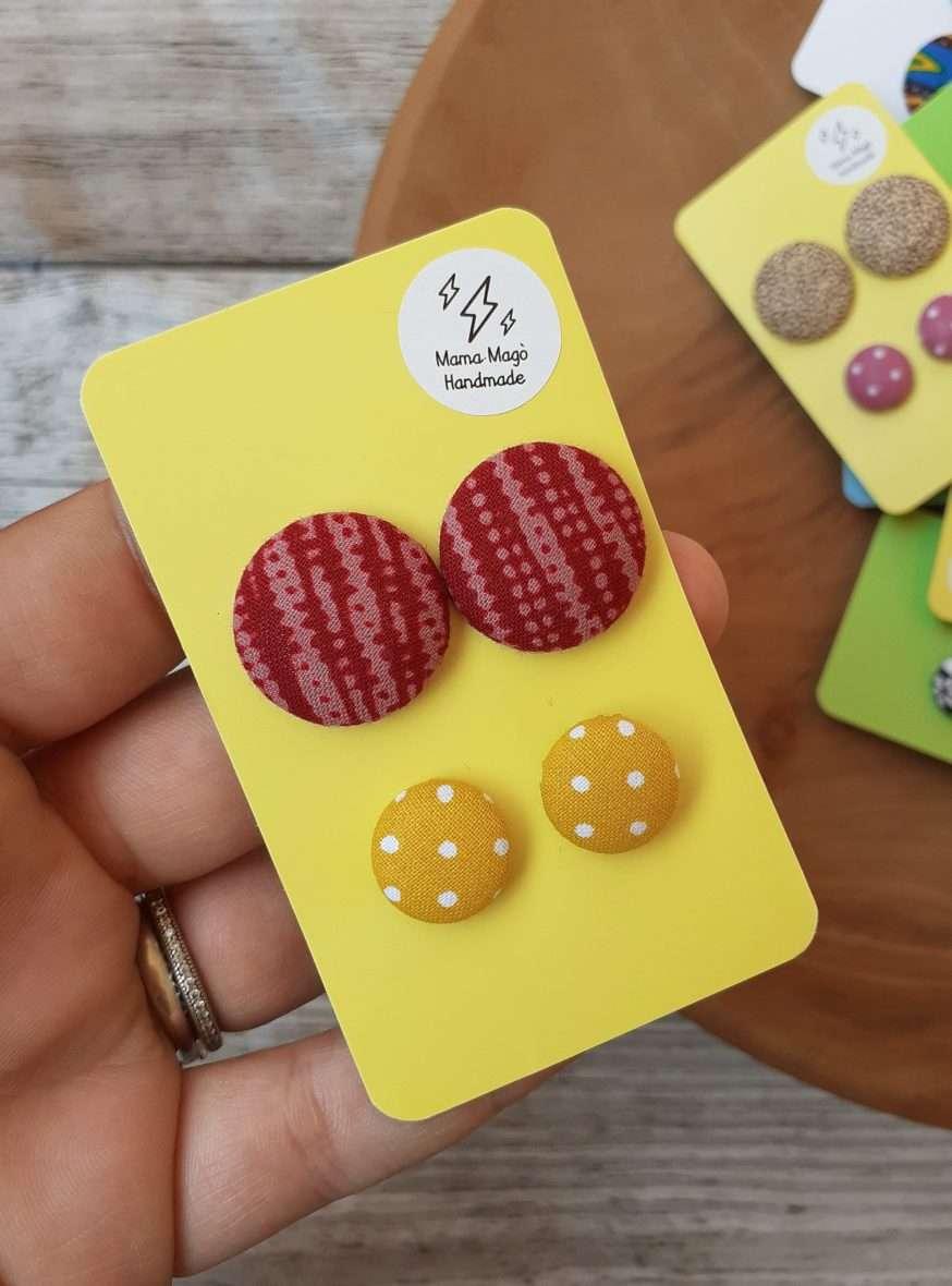 Orecchini a bottone – African wax e micropois gialli